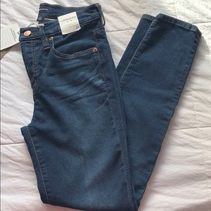"""J. Crew 9"""" High-Rise Toothpick Jeans 29 size 6"""